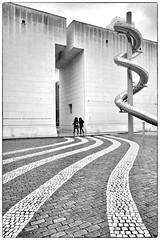 CURVES (bhs-photo) Tags: bnw schwarzweis monochrome noiretblanc street architecture leica leicaq bonn bundeskunsthalle minimal