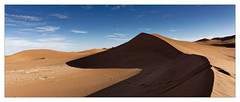 Les Dunes (Jean-Louis DUMAS) Tags: maroc dune sable paysage landscape landscapes dreams nature ciel sky blue people cloud nuage dream trip travel traveler