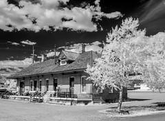 Leadville Depot (Neal3K) Tags: bw blackandwhite colorado infraredcamera kolarivisionmodifiedcamera kolarivisionblueirndvifilter leadvilleco leadvillecoloradoandsouthernrailroad rr tourtrain
