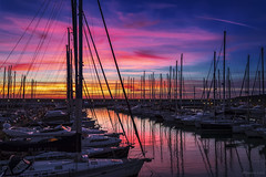 Rosa di sera...bel tramonto...si spera. - Pink in the evening ... beautiful sunset ... hopefully. (Eugenio GV Costa) Tags: approvato sunset sea cielo sky mare cloud cloudy sole outside barche boats porto tourist port