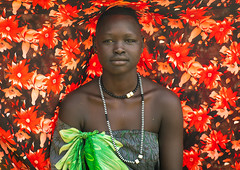 Portrait of a Mundari tribe woman using a colorful cloth to protect from the sun, Central Equatoria, Terekeka, South Sudan (Eric Lafforgue) Tags: adult adults africa africanethnicity centralequatoria colourimage day eastcentralafrica ethnic horizontal indigenousculture lookingatcamera mundari oneadultonly oneperson onewomanonly outdoors southsudan ssdn8788 terekeka traditionalclothing tribal tribe tribeswoman waistup woman women