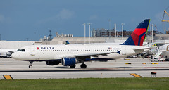 A320 | N368NW | FLL | 20191112 (Wally.H) Tags: airbus a320 n368nw deltaairlines fll kfll fortlauderdale hollywood airport