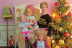 Merry Christmas and Tag Game: Christmas Jumpers (♥ Little Enchanted World ♥) Tags: christmas merrychristmas taggame sweater jumpers dolls family lovely love health friends cute cosy cozy diorama little enchanted world tree props decorations