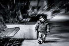 Mouvements de chérubin 2 (Yohan GERARD) Tags: chérubin nathan enfant portrait rue mouvement flou radial