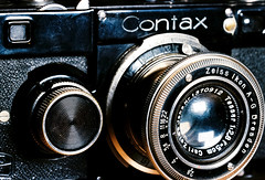Leica shoots Contax (on film) (mkk707) Tags: film 35mmfilm analog leicamd leitzvisoflexii leitzelmaritm9cm128 kodakultramax400 wwwmeinfilmlabde vintagefilmcamera vintagelens rangefinder zeissikoncontaxi zeissikonstyle itsaleica