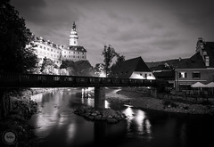 Silent Night (dlerps) Tags: amount cz ceskykrumlov czech czechrepublic daniellerps eu europeeuropa lerps photography sony sonyalpha sonyalpha99ii sonyalphaa99mark2 sonyalphaa99ii httplerpsphotography lerpsphotography evening longexposure monochrome blackwhite bw vltava river water bridge castle palace fortress carlzeiss tower dusk night distagon2420za distagont224 buildings státníhradazámekčeskýkrumlov statecastleandchateaučeskýkrumlov carlzeissdistagon24mmf20