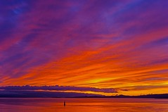 Salish sunset (L@nce (ランス)) Tags: sunset sundown sun cloudy clouds cloud orange sky redsky skyscape hollandpoint dallasroad jamesbay victoria canada britishcolumbia