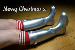 Merry Christmas to all rubber boots fans! (essex_mud_explorer) Tags: rubberboots wellingtonboots wellies welly gumboots rainboots rainwear hunter silver