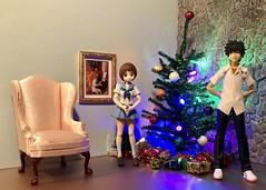 Merry Christmas to All My Flickr Friends! (Sasha's Lab) Tags: mako mankanshoku 満艦飾 マコteen girl high school uniform touma kamijo boy christmas party decor tree gifts figma action figure jfigure gsc chair