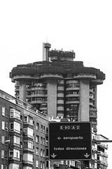 ... Torres Blancas ... (Lanpernas .) Tags: brutalismo torresblancas arquitectura madrid architecture sainzdeoiza rascacielos sckycraper torre city urbanite urban byn 2019