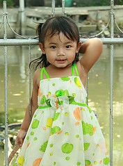 super cute (the foreign photographer - ฝรั่งถ่) Tags: cute girl child kids khlong thanon portraits bangkhen bangkok canon