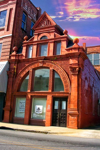 Talladega  - Alabama - Belk Hudson Building - Former  Bank