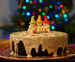 Merry Christmas 2019 (krillmerma) Tags: christmas cake season 2019 festive snowmen decoration tree bokeh