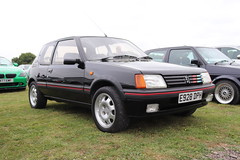 Peugeot 205 GTi 1.9 E928DPH (Andrew 2.8i) Tags: haynes museum sparkford classic car cars classics breakfast meet show french hatch hot hatchback 1900 19 gt gti 205 peugeot e928dph