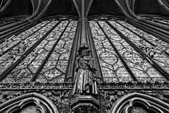 Sainte Chapelle, details (Guillaume DELEBARRE) Tags: church churchinterior saintechapelle paris france tamron1530 wideangle 5dmarkiv noiretblanc blackandwhite bw nb details détails
