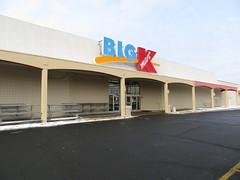 Kmart (St Paul, MN) (TheTransitCamera) Tags: kmart bigk closed discount abandoned bigbox chain searsholdings retail retailer store shopping shop consumer mn minnesota twincities saintpaul