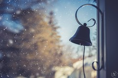 ~I heard the bells on Christmas Day. Their old, familiar carols play, And wild and sweet. The words repeat. Of peace on earth, good-will to men! (Fire Fighter's Wife) Tags: christmas merrychristmas christmaseve bell bells ringing winter snow snowy cold brrrr winterwonderland lightandshadow 25daysofchristmas lensbabyspark lensbabyspark50mmf56 lensbaby nikon nikond750 december holiday holidays happyholidays homesweethome haze hazy home