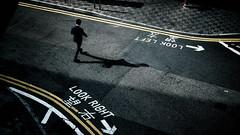 LOOK FORWARD (Wilson Au   一期一会) Tags: hongkong central man pedestrian road fujifilm xt3 fujinon xf35mmf14r shadow doubleyellowlines 雙黃線 馬路 中環 香港
