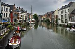 Gante (puma3023) Tags: digitalcameraclub gante belgica canal barca barcoagua reflejos casas nublado