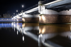 all in flow (Rafael Zenon Wagner) Tags: frankfurtammain germany brücke bridge river fluss night nacht canon eos r