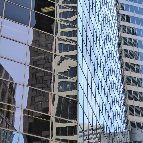 Chicago, Fragmented Reflection