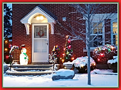 Mom's Christmas Decorations (bigbrowneyez) Tags: momshouse decorations lights festive fun beautiful lovely joyful snowman trees colourful twilight bella natale noel navidad feliznavidad celebration december snow wreath garden ottawa canada magical