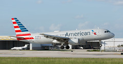 A320 | N111US | FLL | 20191112 (Wally.H) Tags: airbus a320 n111us americanairlines fll kfll fortlauderdale hollywood airport