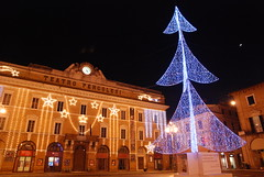 Merry Christmas everyone!  (Jesi, Italy) (Scott Mundy) Tags: merry christmas jesi marche italia italy tree lights teatro pergolesi geotagged 2011 iesi