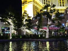 IMG_0781 (grooverman) Tags: las vegas trip vacation december 2019 casino night strip canon powershot sx530