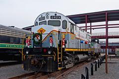 Deck the Haulers... (Erie Limited) Tags: delawarelackawanna alco c425 dl2423 steamtown scrantonpa scranton christmas train railfan railroad