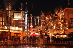 It's Time to be Jolly (Prayitno / Thank you for (12 millions +) view) Tags: the grove la los angeles farmers market night lights photography illumination christmas season fun happy shopping dining outdoor water fountain