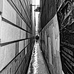 Brydges Place (Croydon Clicker) Tags: street alley walls people monochrome blackwhite whiteblack poster lamp westminster london nikond5500 sigma1770mm