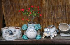 Ghibli Planter @ Shirakawa-go (Rick & Bart) Tags: 白川郷 shirakawago worldculturalheritagesite unesco japan nippon 日本 rickbart city landoftherisingsun rickvink canon eos70d gifu museum openairmuseum studioghibli吉卜力工作室spirited awaymy neighbor totoro
