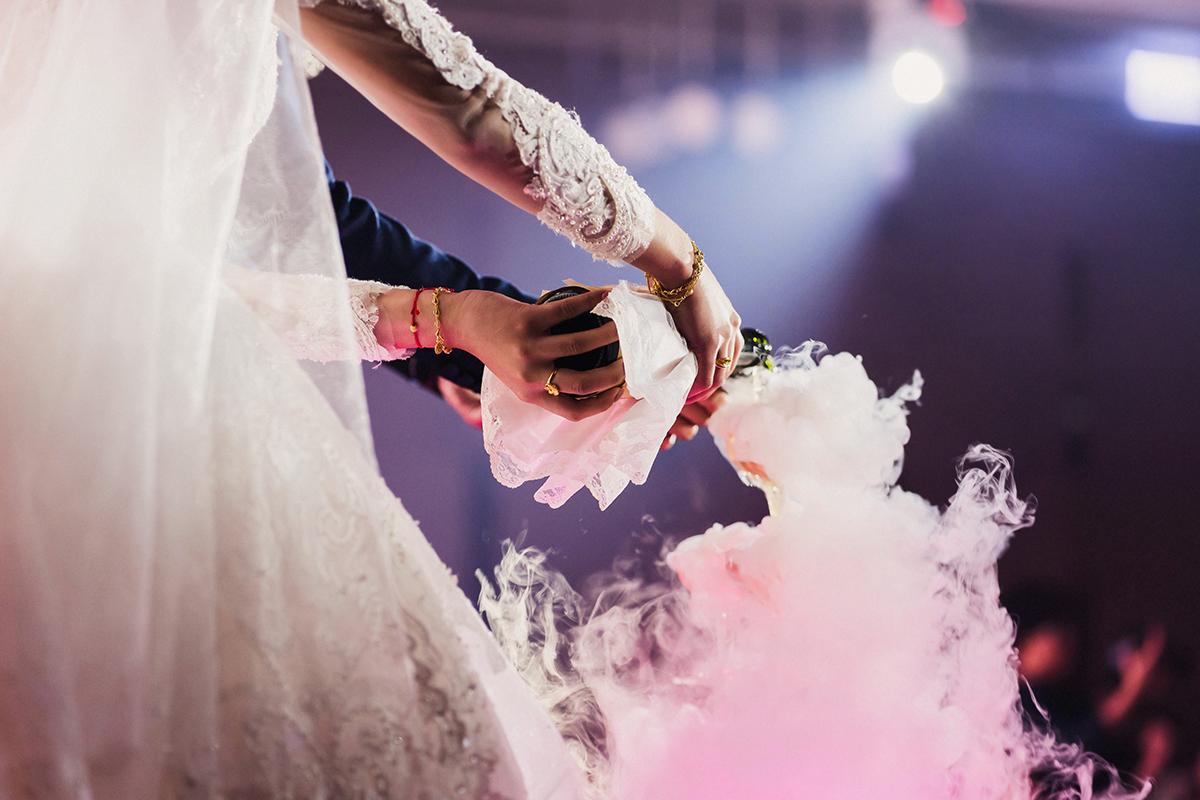 台北婚攝,美式婚禮,婚攝作品,婚禮攝影,婚禮紀錄,南港雅悅會館,拜別,迎娶,類婚紗,wedding photos