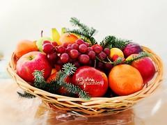 Frohe Weihnachten -  Merry Christmas -  Feliz Navidad-  Joyeux Noel -Buon Natale - Vrolijk kerstfeest - Gëzuar Krishtlindjet! (Frank S (aka Knarfs1)) Tags: weihnachtliche vitamine frohe weihnachten merry christmas feliz navidad joyeux noel buon natale vrolijk kerstfeest gëzuar krishtlindjet food essen nahrung obst