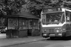 Oss (Tim Boric) Tags: oss spoorlaan busstation halte bushalte bus bushokje wachthuisje abri autobus daf zabo stadsdienst bba