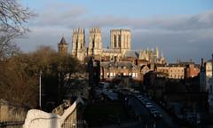 York Minster (Arco Ardon) Tags: uk vk gb england engeland york yorkminister citywall