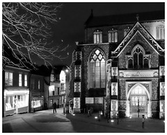 Norwich in the night (mibric) Tags: street rue england angleterre norwich britain noiretblanc monochrome blackandwhite