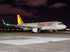 Pegasus Airlines TC-DCG HAJ at Night (U. Heinze) Tags: aircraft airlines airways airplane planespotting plane flugzeug haj hannoverlangenhagenairporthaj eddv olympus omd em1markii 12100mm