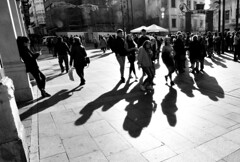 Communication. (Elena m.d. 12.7M views.) Tags: 2019 guadalajara monocromo street urbana people shadows light city callejera nikon tokina1116 tokina d7500