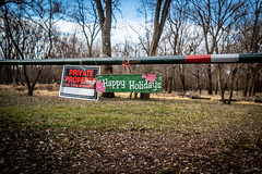 Mixed Messages (Phil Roeder) Tags: desmoines iowa sign christmas happyholidays notrespassing leica leicax2