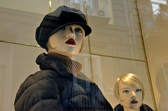 Naples windows, Italy (dw*c) Tags: mannequins mannequin model models windows window windowshopping naples napoli nikon italy italia italio europe retailwindows retail reflections ref