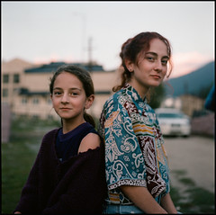 (Suharik moi) Tags: 6х6 120mm color mamiya kodak film analog girl portrait sisters georgia mestia svaneti family