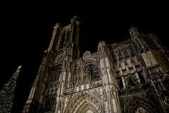 Parvis de la cathédrale de Troyes à Noël (Glc PHOTOs) Tags: 20191224183945glc7300nikond85024mmdxo tamron sp 2470mm f28 di vc usd g2 tamronsp2470mmf28divcusdg2 a032 nikon d850 fx full frame 45mpixel glcphotos cathédrale saint pierre paul troyes noel 2019