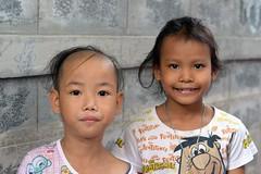 childfen (the foreign photographer - ฝรั่งถ่) Tags: two children khlong thanon portraits bangkhen bangkok thailand nikon d3200