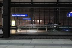 Berlin (jörg_grontzki) Tags: rolltreppe teilungberlins zonengrenze transport train bahn railway fuji xt3 tränenpalast grenze station friedrichstrase berlin bahnhof