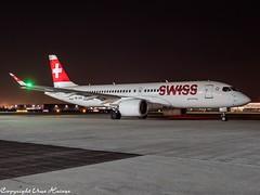 Swiss HB-JCM  HAJ at Night (U. Heinze) Tags: aircraft airlines airways airplane planespotting plane flugzeug olympus omd em1markii 12100mm eddv haj hannoverlangenhagenairporthaj