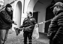 Vendita in corso (Anteriorechiuso Santi Diego) Tags: sale seller street merchant