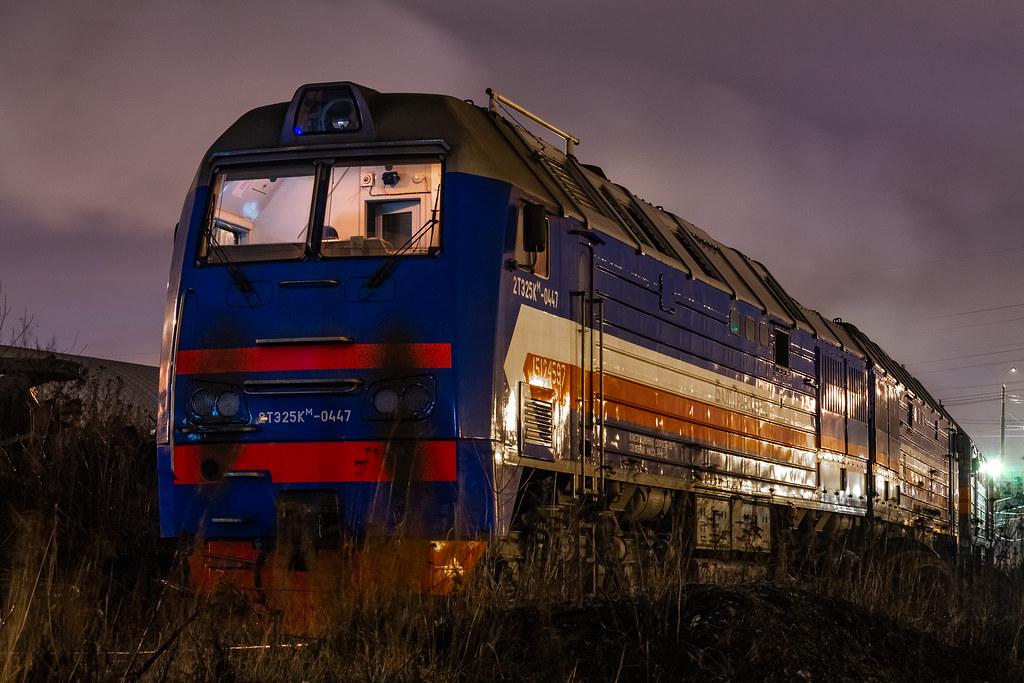 фото: 2ТЭ25КМ-0447, станция Автово
