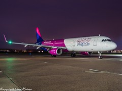 Wizz Air HA-LXG HAJ at Night (U. Heinze) Tags: aircraft airlines airways airplane planespotting plane flugzeug night nightshot olympus omd em1markii 12100mm eddv haj hannoverlangenhagenairporthaj